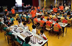 12-01-2013 SCHAKEN: SCHOOLSCHAAK TOERNOOI 2012: MAARSSEN<br /> De Pionier doet met 16 andere scholen uit de Stichtse Vecht mee aan het schoolschaak toernooi <br /> ©2013-FotoHoogendoorn.nl