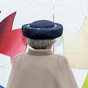 NLD/Apeldoorn/20190402 - Beatrix opent tentoonstelling The Garden of Earthly Worries , Prinses Beatrix opent de tentoonstelling