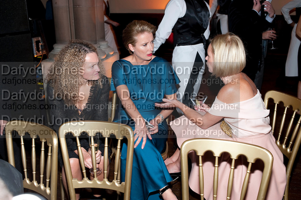 STEPHAONIE THEOBALDS; MARIELA FROSTRUP; EMMA THOMPSON, Harpers Bazaar Women of the Year Awards. North Audley St. London. 1 November 2010. -DO NOT ARCHIVE-© Copyright Photograph by Dafydd Jones. 248 Clapham Rd. London SW9 0PZ. Tel 0207 820 0771. www.dafjones.com.