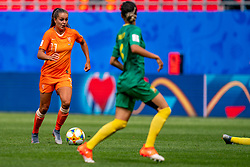 15-06-2019 FRA: Netherlands - Cameroon, Valenciennes<br /> FIFA Women's World Cup France group E match between Netherlands and Cameroon at Stade du Hainaut / Lieke Martens #11 of the Netherlands