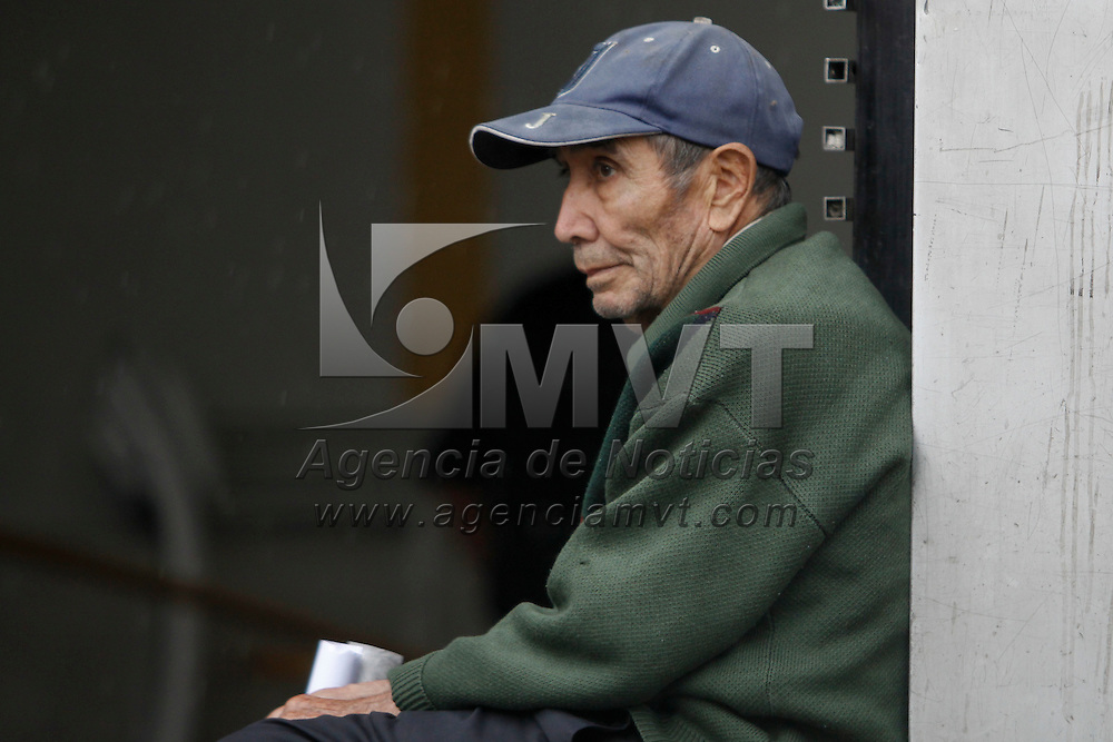 """TOLUCA, México.- De acuerdo al libro """"Análisis sociodemográfico del envejecimiento en el Estado de México"""", en actualmente el 7.5 de los mexiquenses son adultos mayores, y para el 2025 será el 18 por ciento de la población. Agencia MVT / Crisanta Espinosa. (DIGITAL)"""