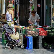 SPA/La Bisbal/20110711 - Huwelijk Jeroen van der Boom en Dani de Wit, binnenstad La Bisbal