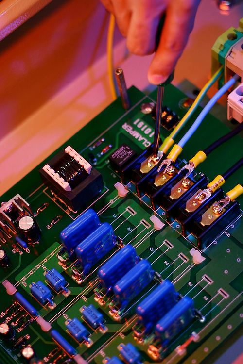 Lagoa Santa_MG, Brasil...Industria de equipamentos eletronicos em Lagoa Santa, Minas Gerais...Industry of electronics equipments in Lagoa Santa, Minas Gerais...Foto: JOAO MARCOS ROSA / NITRO.