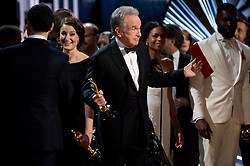 Feb 26, 2017 - Hollywood, California, U.S. - Presenter WARREN BEATTY tries to explain to the audience how the wrong envelope for best picture was read onstage during the Academy Awards telecast.'La La Land' had been read as the winner, but the actual winner was 'Moonlight.' (Credit Image: © AMPAS/ZUMAPRESS.com)