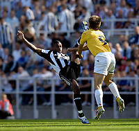 Fotball<br /> Intertoto Cup<br /> 15.07.2006<br /> Newcastle United v Lillestrøm<br /> Foto: Jed Wee/SBI/Digitalsport<br /> NORWAY ONLY<br /> <br /> Newcastle's Charles N'Zogbia (L) plants a boot into the face of Lillestrøm's Johan Petter Winsnes