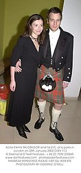 Actor EWAN McGREGOR and his EVE, at a party in London on 25th January 2002.OWX 113
