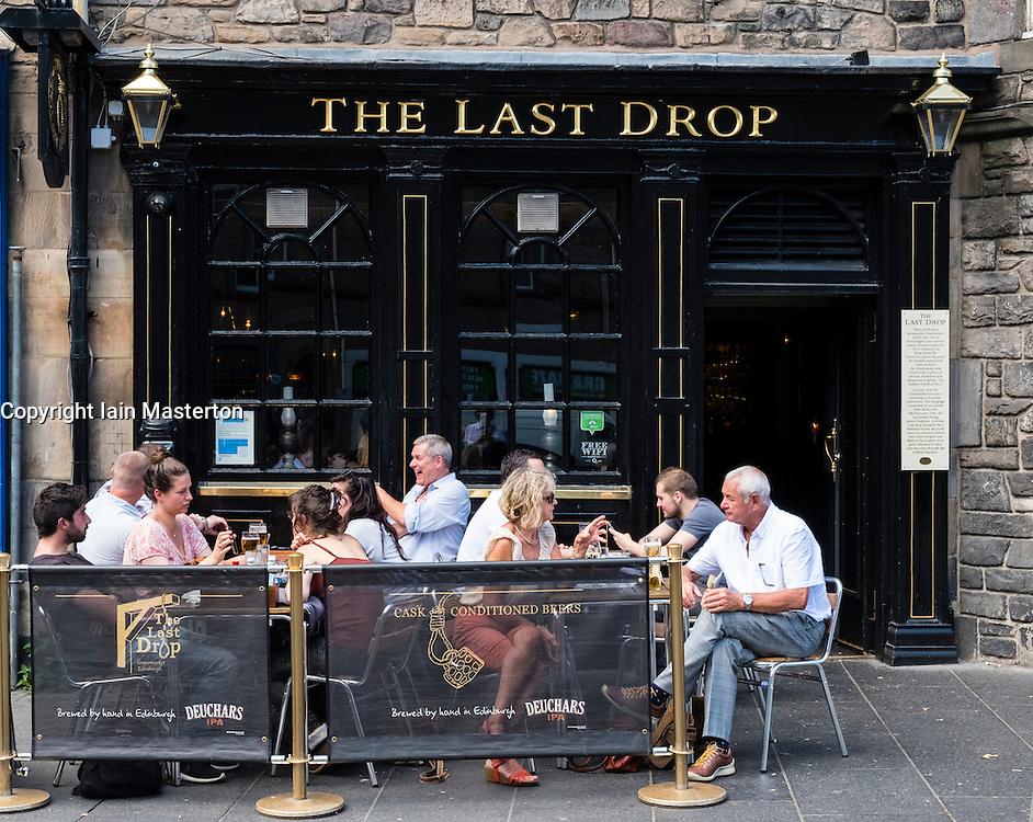 The Last Drop pub in historic Grassmarket district of Edinburgh , Scotland, United Kingdom