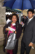 Lady Paul and her son Akhil Paul, Lords v Commons tug-o-war in aid of Macmillan Cancer Relief,  Westminster. 22 June 2004. ONE TIME USE ONLY - DO NOT ARCHIVE  © Copyright Photograph by Dafydd Jones 66 Stockwell Park Rd. London SW9 0DA Tel 020 7733 0108 www.dafjones.com