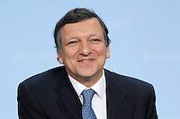 09 JAN 2007, BERLIN/GERMANY:<br /> Dr. Jose Manuel Barroso (L), Praesident der Europaeischen Kommission, waehrend einer Pressekonferenz, nach der gemeinsamen Kabinettsitzung des Bundeskabinetts und der Kommission der Europaeischen Kommission, Bundeskanzleramt<br /> IMAGE: 20070109-02-047<br /> KEYWORDS: Dr. José Manuel Barroso, freundlich