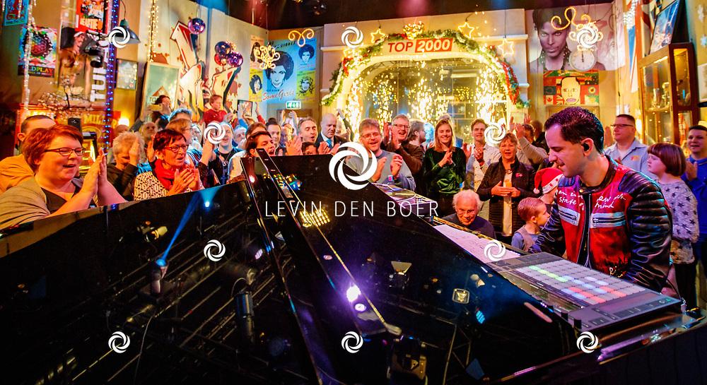 HILVERSUM - In Beeld & Geluid trapt Bart Arens af met zijn mash-up voor de Top 2000. FOTO LEVIN & PAULA PHOTOGRAPHY VOF