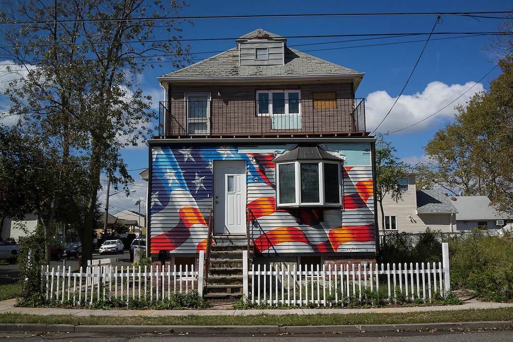 A home on Cedar Grove Ave near the corner of Marine Way in the New Dorp Beach neighborhood of Staten Island, NY on Monday, Oct. 5, 2015, weeks ahead of the three year anniversary of Hurricane Sandy.<br /> <br /> Andrew Hinderaker for The Wall Street Journal<br /> NYSTANDALONE