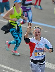 01-11-2015 USA: NYC Marathon We Run 2 Change Diabetes day 4, New York<br /> De dag van de marathon, 42 km en 195 meter door de straten van Staten Island, Brooklyn, Queens, The Bronx en Manhattan / Marieke