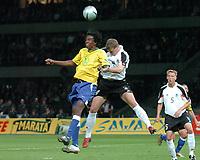 Fotball<br /> Privatlandskamp<br /> Tyskland v Brasil<br /> Berlin<br /> 8. september 2004<br /> Foto: Digitalsport<br /> NORWAY ONLY<br /> ROQUE JUNIOR (BRA) / ROBERT HUTH (GER)