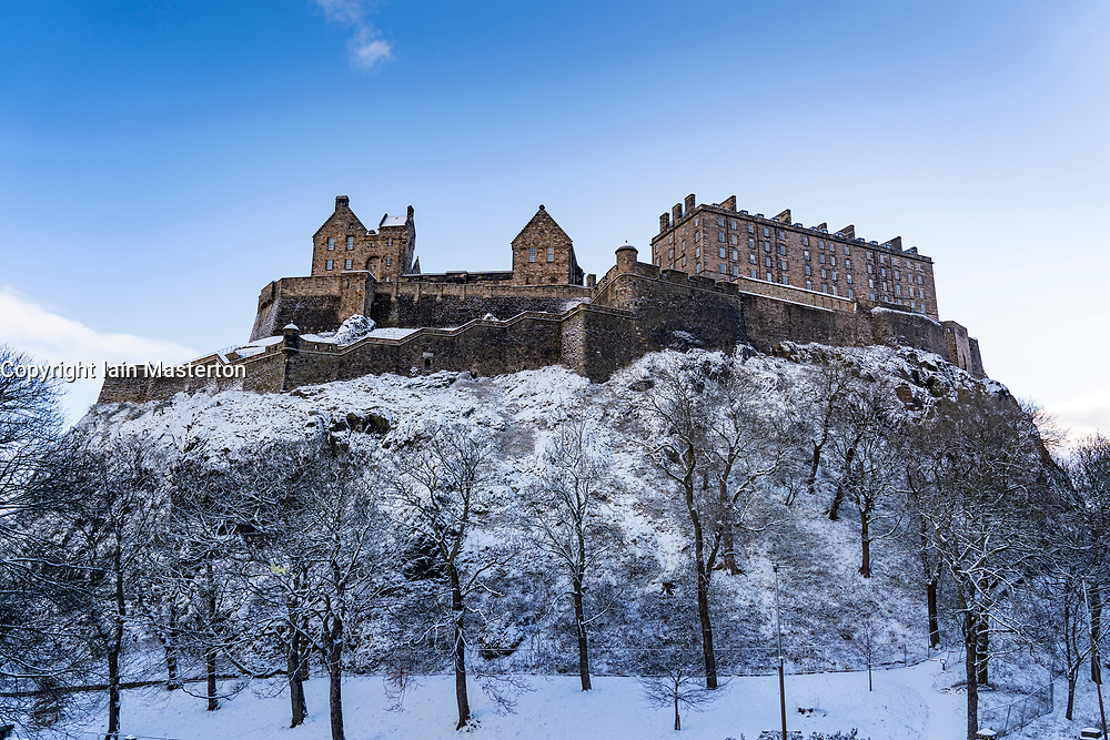 Edinburgh, Scotland, UK. 9 Feb 2021. Big freeze continues in the UK with Storm Darcy bringing several inches of snow to Edinburgh overnight. Pic; Edinburgh Castle with dusting of snow. Iain Masterton/Alamy Live news