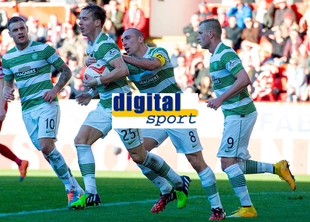 09/11/14 SCOTTISH PREMIERSHIP <br /> ABERDEEN v CELTIC <br /> PITTODRIE - ABERDEEN<br /> Celtic's Stefan Johansen (25) is keen to restart having scored the equaliser