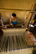 Pedra do Indaia_MG, Brasil...Mulher que trabalha em um tear manual para fazer colchas que serao vendidas em Divinopolis...Woman working with weaving her quilts will be sold  in Divinopolis...Foto: LEO DRUMOND / NITRO