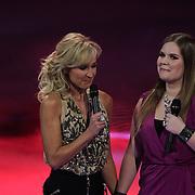 NLD/Hilversum/20120120 - Finale the Voice of Holland 2012, Wendy van Dijk en Iris Kroes
