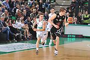 DESCRIZIONE : Treviso Lega A 2011-12 Benetton Treviso Otto Caserta<br /> GIOCATORE : aarton doornekamp<br /> CATEGORIA :  palleggio contropiede<br /> SQUADRA : Benetton Treviso Otto Caserta<br /> EVENTO : Campionato Lega A 2011-2012<br /> GARA : Benetton Treviso Otto Caserta<br /> DATA : 21/01/2012<br /> SPORT : Pallacanestro<br /> AUTORE : Agenzia Ciamillo-Castoria/M.Gregolin<br /> Galleria : Lega Basket A 2011-2012<br /> Fotonotizia :  Treviso Lega A 2011-12 Benetton Treviso Otto Caserta<br /> Predefinita :