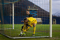 GRÖDIG, AUSTRIA - Tuesday, December 10, 2019: Liverpool's Harvey Elliott is prevented from retrieving the ball by FC Salzburg's goalkeeper Daniel Antosch during the final UEFA Youth League Group E match between FC Salzburg and Liverpool FC at the Untersberg-Arena. (Pic by David Rawcliffe/Propaganda)
