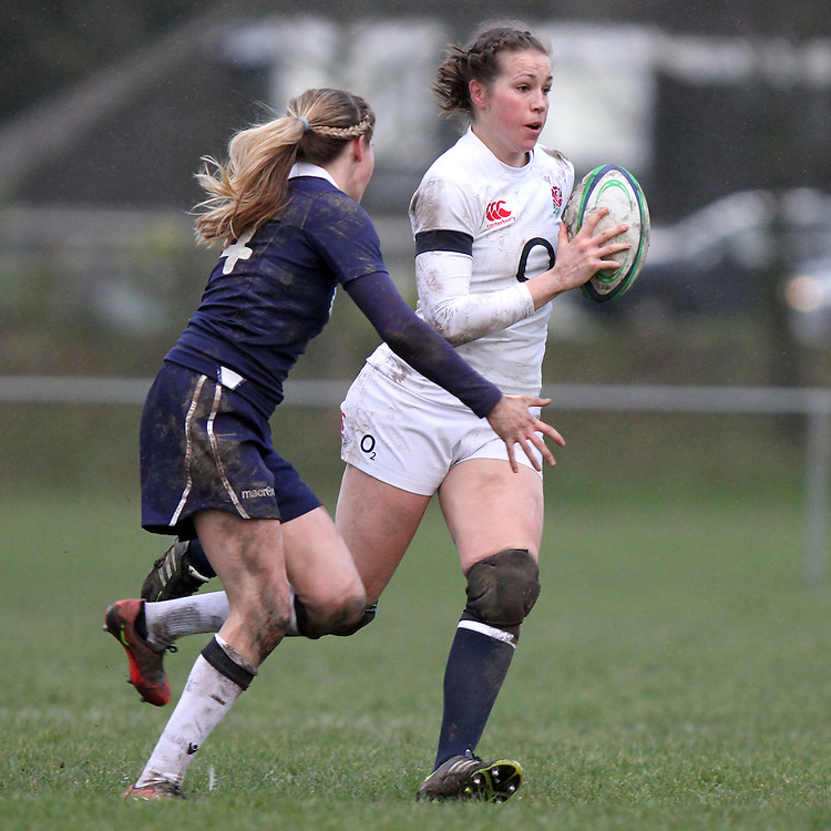 Emily Scarratt in action. Scotland Women v England Women in the Six Nations 2014 at Rubislaw, Aberdeen, Scotland on Sunday 9th February 2014, kick off 1400