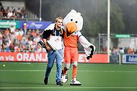 AMSTELVEEN - Maarten met Stockey during the poulematch England v Germany (men) 3-4,Rabo Eurohockey Championships 2017.  WSP COPYRIGHT KOEN SUYK