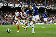 Ross Barkley of Everton tries a shot at goal but just misses. Premier league match, Everton v Stoke city at Goodison Park in Liverpool, Merseyside on Saturday 27th August 2016.<br /> pic by Chris Stading, Andrew Orchard sports photography.