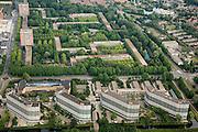 Nederland, Amsterdam-Noord, Nieuwendam, 17-06-2008; in de voorgrond de flats aan de Loenermark en het stadsdeelkantoor, midden in het groen de laagbouwflats (het Breed, het Hoogt, het Laagt)..luchtfoto (toeslag); aerial photo (additional fee required); .foto Siebe Swart / photo Siebe Swart.