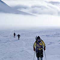 Pete Garber skis to summit of 2nd highest peak in Patagonian range (Chile).