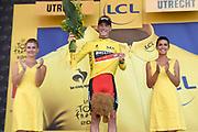 Uitreiking Gele trui na eerste etappe in Utrecht na de individuele tijdrit van 13,8 km.<br /> <br /> Presentation Yellow jersey after the first stage in Utrecht after the individual time trial of 13.8 km.<br /> <br /> Op de foto / On the photo:   Winnaar eerste etappe (tijdrit) Dennis Rohan / Winner of the first stage (individual timel) Dennis Rohan