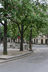 Avenue Montaigne roundabout on the 43rd day of lockdown to prevent the spread of Covid-19. Paris, France on April 28, 2020. Photo by Vincent Gramain/ABACAPRESS.COM