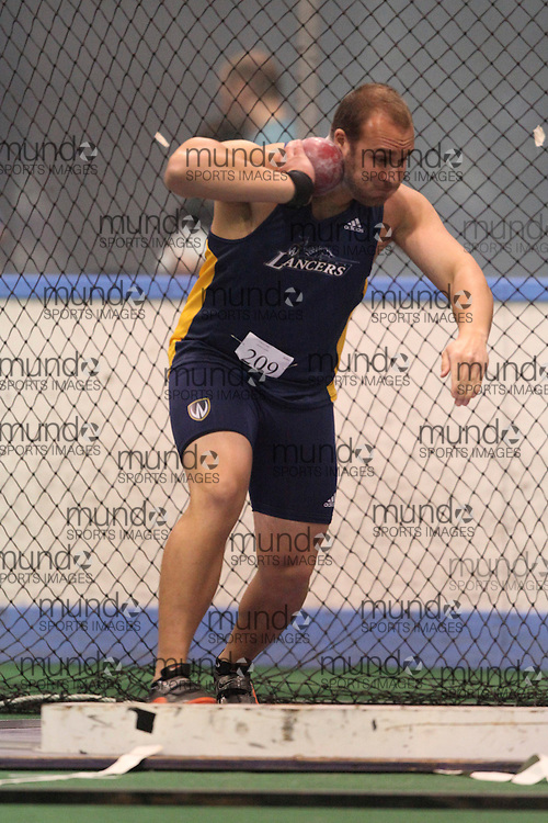 London, Ontario ---11-01-22---   Andy Ysebaert of the Windsor Lancers competes at the 2011 Don Wright meet at the University of Western Ontario, January 22, 2011..GEOFF ROBINS/Mundo Sport Images.