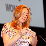 NLD/Amsterdam/20110304 - Prinses Maxima opent Women Inc.,  Jannet Vaessen (directeur festival)