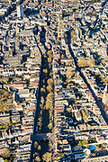 Nederland, Utrecht, Utrecht, 07-02-2018; binnenstad met Nieuwegracht, richting Dom en Oude gracht.<br /> Inner city with Nieuwegracht) (new canal).<br /> luchtfoto (toeslag op standard tarieven);<br /> aerial photo (additional fee required);<br /> copyright foto/photo Siebe Swart
