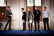 Koning Willem Alexander reikt vrijdagmiddag 7 oktober de Koninklijke Prijs voor Vrije Schilderkunst