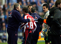 Photo: Gareth Davies.<br />Reading v Sheffield United. The Barclays Premiership. 20/01/2007.<br />Sheffield United's Keith Gillespie (19) leaves the pitch after being sent off after only coming on for a few seconds.