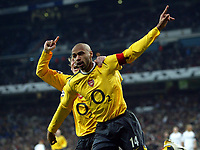 Photo: Chris Ratcliffe.<br />Real Madrid v Arsenal. UEFA Champions League. 2nd Round, 1st Leg. 21/02/2006.<br />Thierry Henry of Arsenal celebrates scoring the first goal with Alexander Hleb.