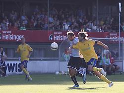 FODBOLD: Michael Gorm Nielsen (Helsingør) følges af Max von Schlebrügge (Brøndby) under opvisningskampen mellem Elite 3000 Helsingør og Brøndby IF den 16. juni 2010 på Helsingør Stadion. Foto: Claus Birch