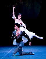 Yasmine Naghdi and Marcelino Sambre at the rehearsal for the BALLET ICONS GALA 2020  evening of world class ballet celebrating the Russian Ballet School photo by Brian Jordan
