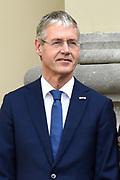 Het nieuwe kabinet Rutte III op het bordes van Paleis Noordeinde. <br /> <br /> Op de foto:  Arie Slob - minister van Onderwijs, Cultuur en Wetenschap