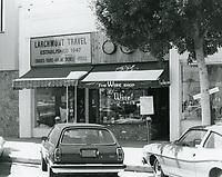 1977 The Wine Shop & Larchmont Travel on Larchmont Blvd.