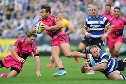 Seb Steggman of London Welsh goes on the attack - Photo mandatory by-line: Patrick Khachfe/JMP - Mobile: 07966 386802 13/09/2014 - SPORT - RUGBY UNION - Bath - The Recreation Ground - Bath Rugby v London Welsh - Aviva Premiership