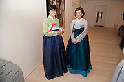 HEE YONG NOY; KO EUN KYUNG, Korean Eye Dinner  hosted by The Dowager Viscountess Rothermere and Simon De Pury.Sponsored by CJ, Korean Food Globalization Team, Hino Consulting and Visit Korea Committee. Phillips de Pury Space, Saatchi Gallery.  Sloane Sq. London. 2 July 2009.