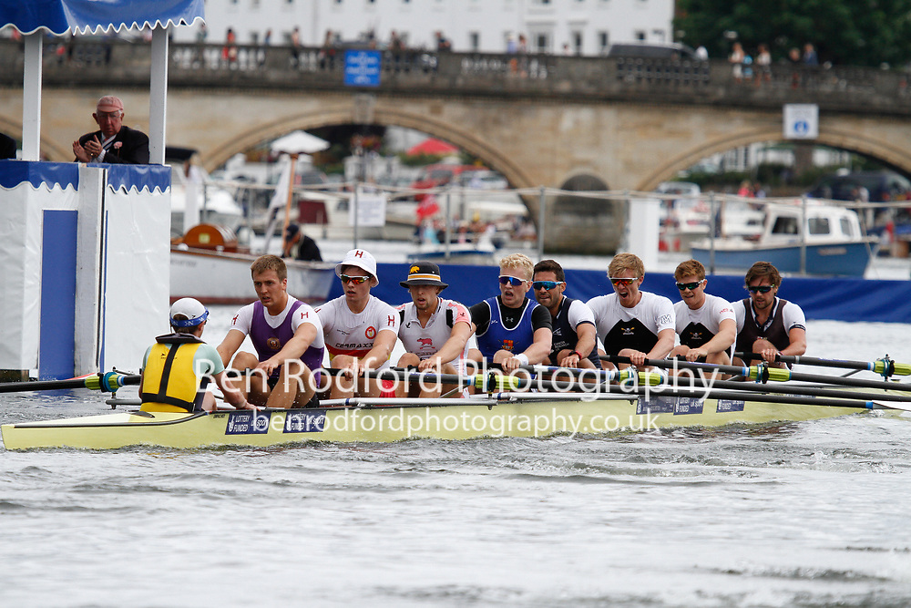 Race: 24 - Event: LADIES' - Berks: 29 MOLESEY B.C. & LONDON R.C. - Bucks: 26 BROWN UNIVERSITY, USA<br /> <br /> Henley Royal Regatta 2017<br /> <br /> To purchase this photo, or to see pricing information for Prints and Downloads, click the blue 'Add to Cart' button at the top-right of the page.
