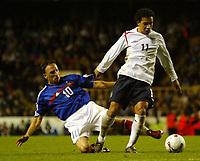 Photo: Chris Ratcliffe.<br /> England v France. U21 European Championships.<br /> 11/11/2005.<br /> Keiran Richardson gets away from Franck Ribery