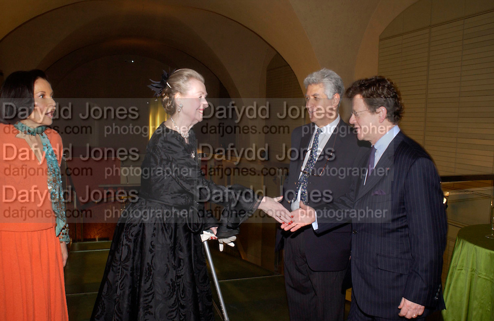 Judith Price, Raine the Countess of Spencer, Ralph Esmerian and   Hervi Aaron.. Masterpieces of American Jewelry at the Gilbert Collection. Somerset House. 14 February 2005. ONE TIME USE ONLY - DO NOT ARCHIVE  © Copyright Photograph by Dafydd Jones 66 Stockwell Park Rd. London SW9 0DA Tel 020 7733 0108 www.dafjones.com