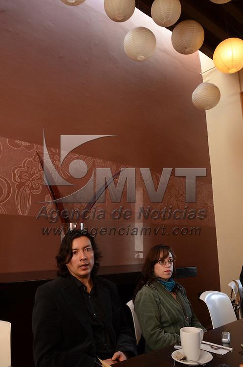 Toluca, México.- Yurev Vivero, Director general mexiquense del grupo de musica antigua Ditirambo, durante conferencia de prensa, donde anunció que harán una gira por Portugal en el que presentarán un repertorio de música antigua y barroca. Agencia MVT / Arturo Hernández S.