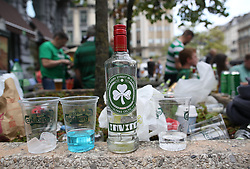 27 September 2017 Brussels: Celtic fans in the city centre before the Champions League match against Anderlecht: many fans brought their own drinks: Photo: Mark Leech