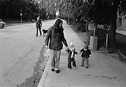 På promenad i Ekensberg.