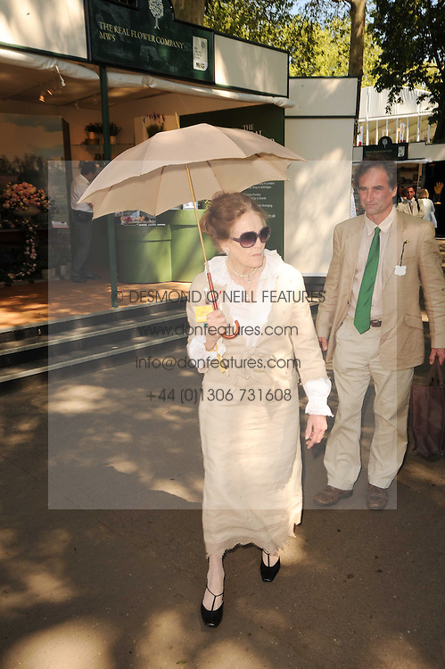 Th 2010 Royal Horticultural Society Chelsea Flower show in the grounds of Royal Hospital Chelsea, London on 24th May 2010.<br /> <br /> Picture shows:- The DOWAGER MARCHIONESS OF SALISBURY
