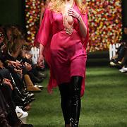 NLD/Amsterdam/20080303 - Modeshow Jos van Raak 2008, mannequin op de catwalk